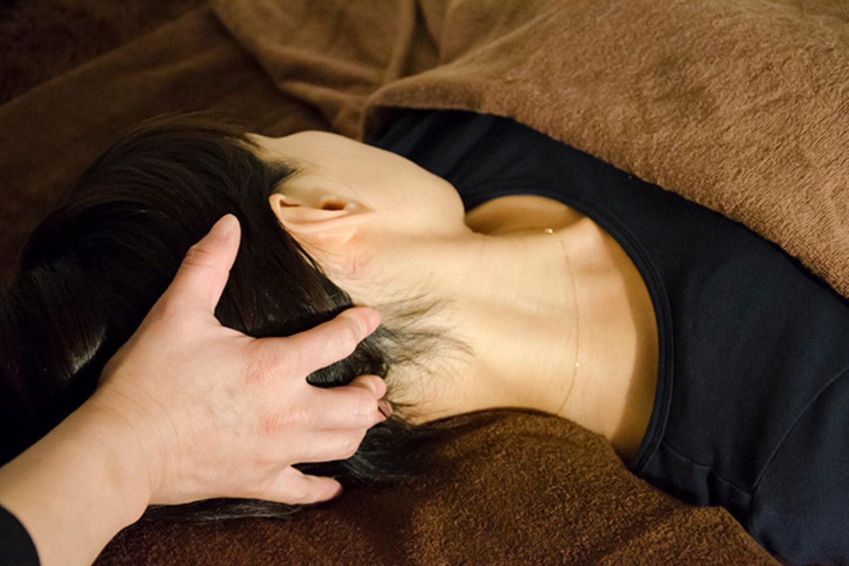 首肩のコリ、ツボにしっかりアプローチ